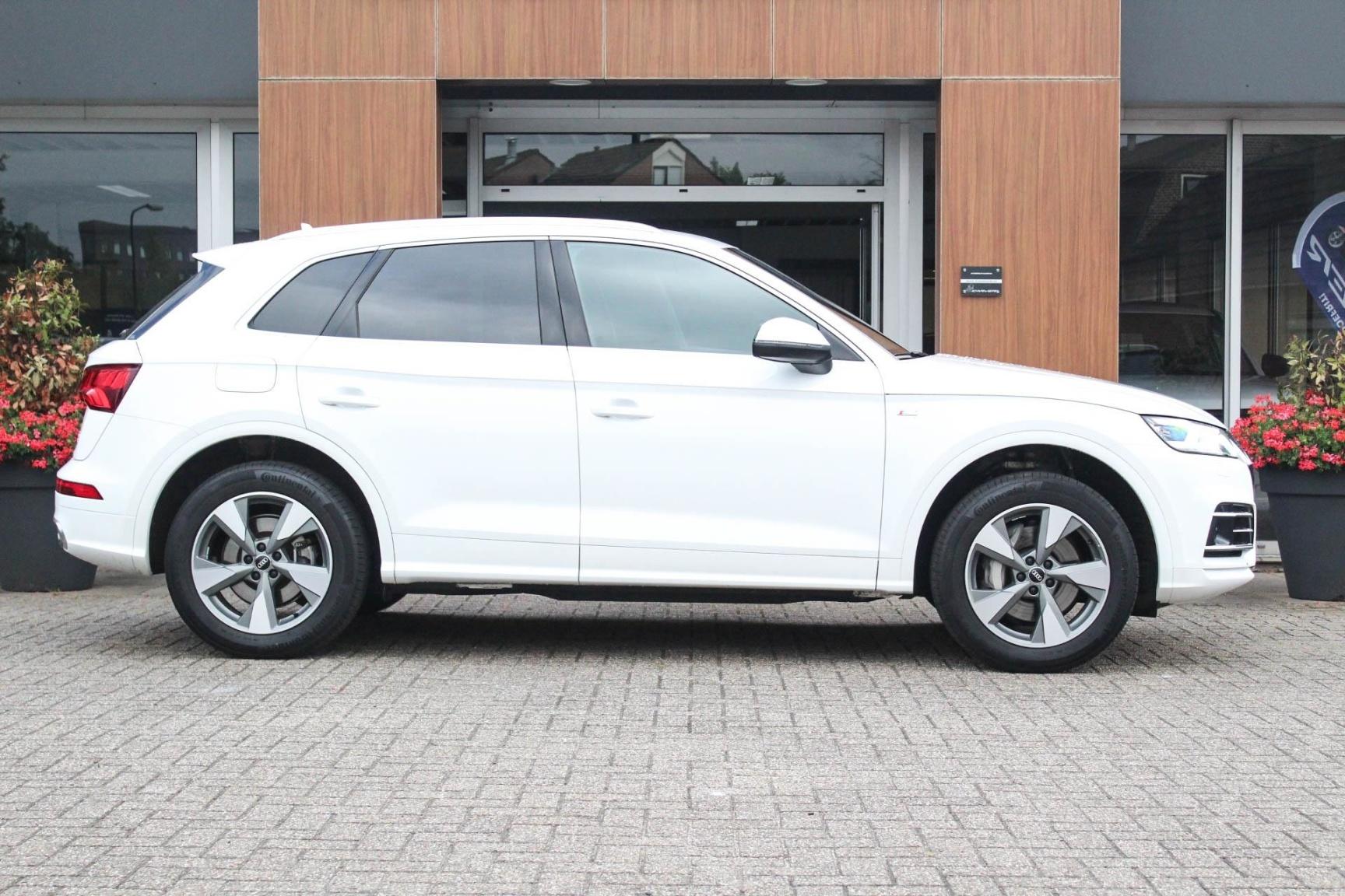Audi-Q5-2