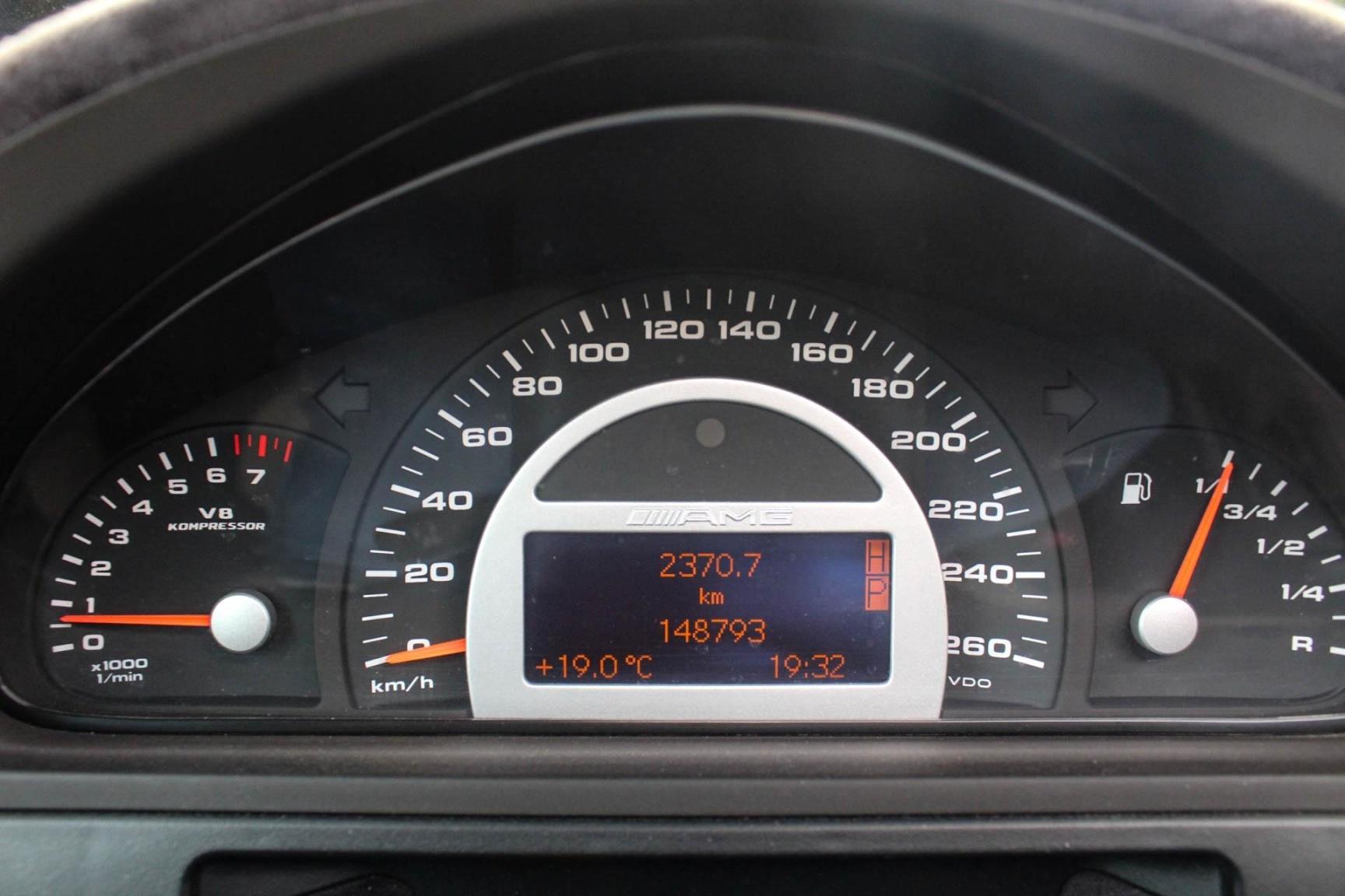Mercedes-Benz-G-Klasse-17