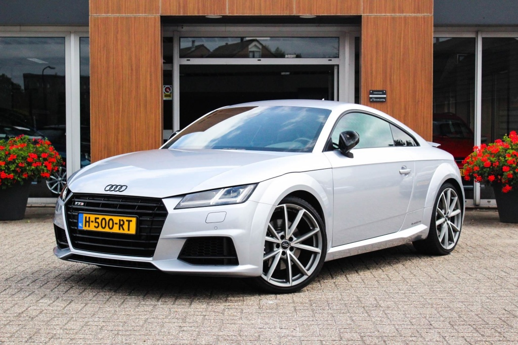 Audi-TT-thumb